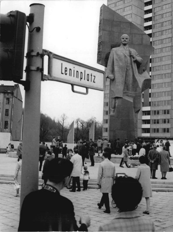 Berlin, Lenindenkmal am Leninplatz